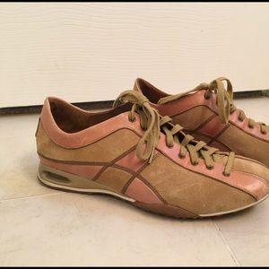 EUC sz 7 Cole Haan Nike Air Sneakers